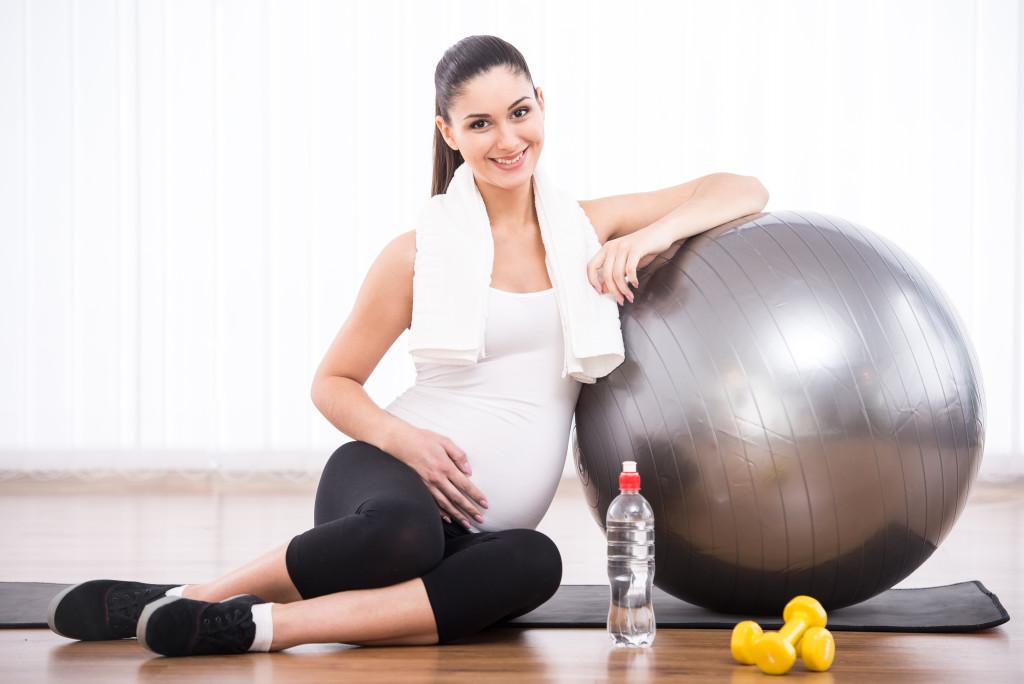 انتخاب-توپ-برای-ورزش-در-دوران-بارداری