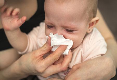 راهکار مناسب در صورت پریدن ماده خارجی در گلوی کودک