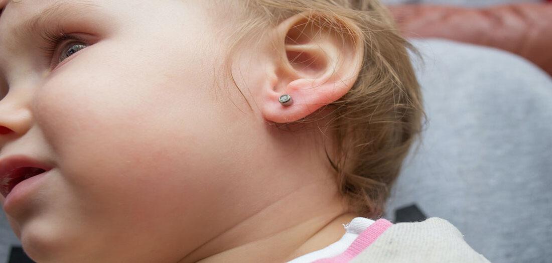 سوراخ کردن گوش کودکان